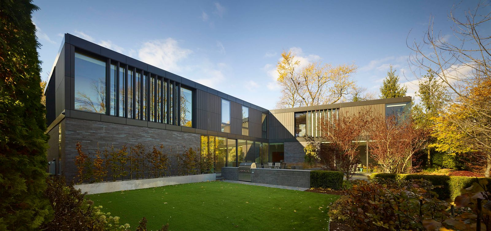 architecturally-crafted-toronto-modern-home