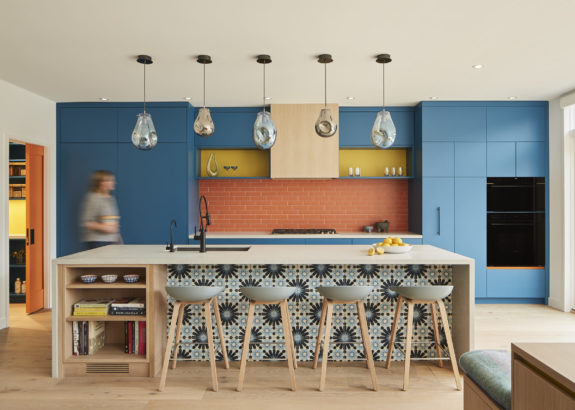 colourful-contemporary-kitchen-in-classic-toronto-edwardian-home