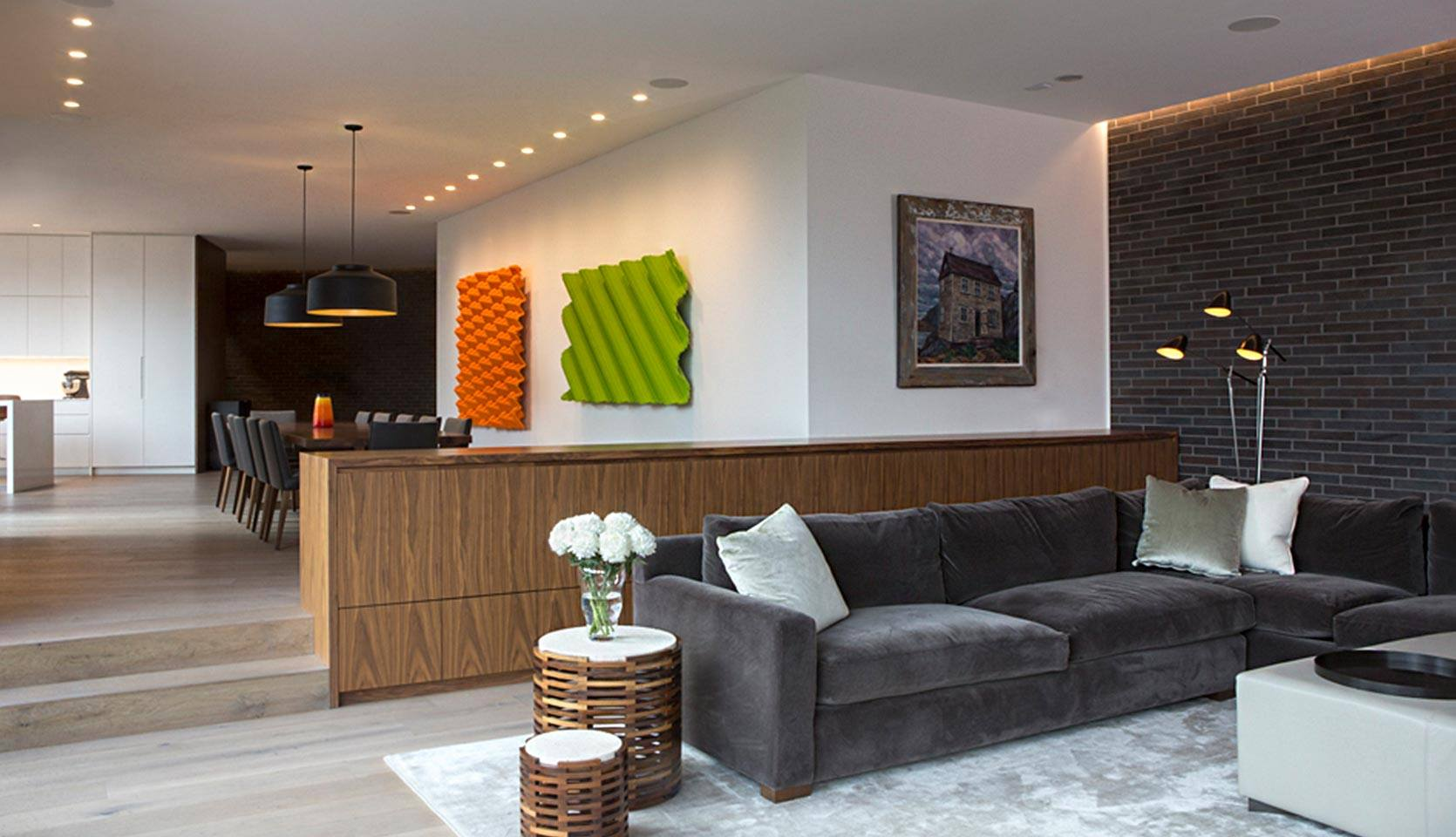 severnwoods-modern-rosedale-house-looking-into-dining-room-with-colourful-wall-art
