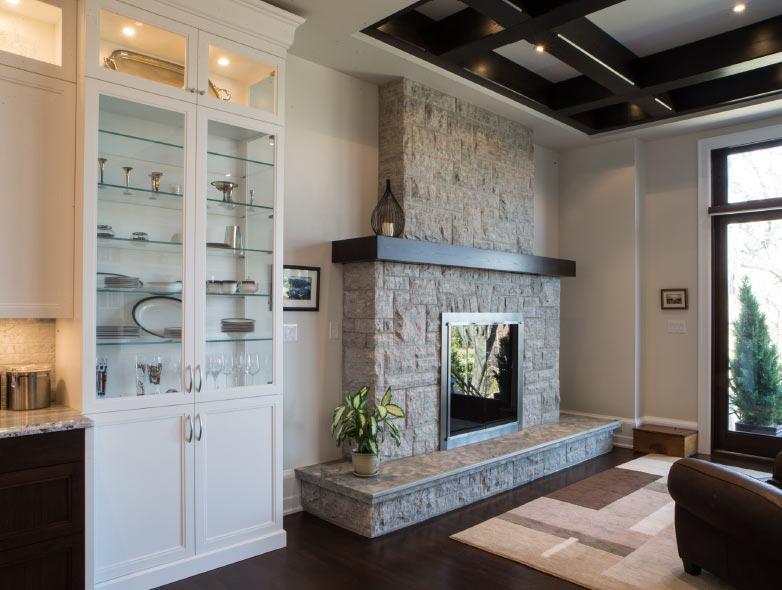 severnwoods-modern-home-fireplace