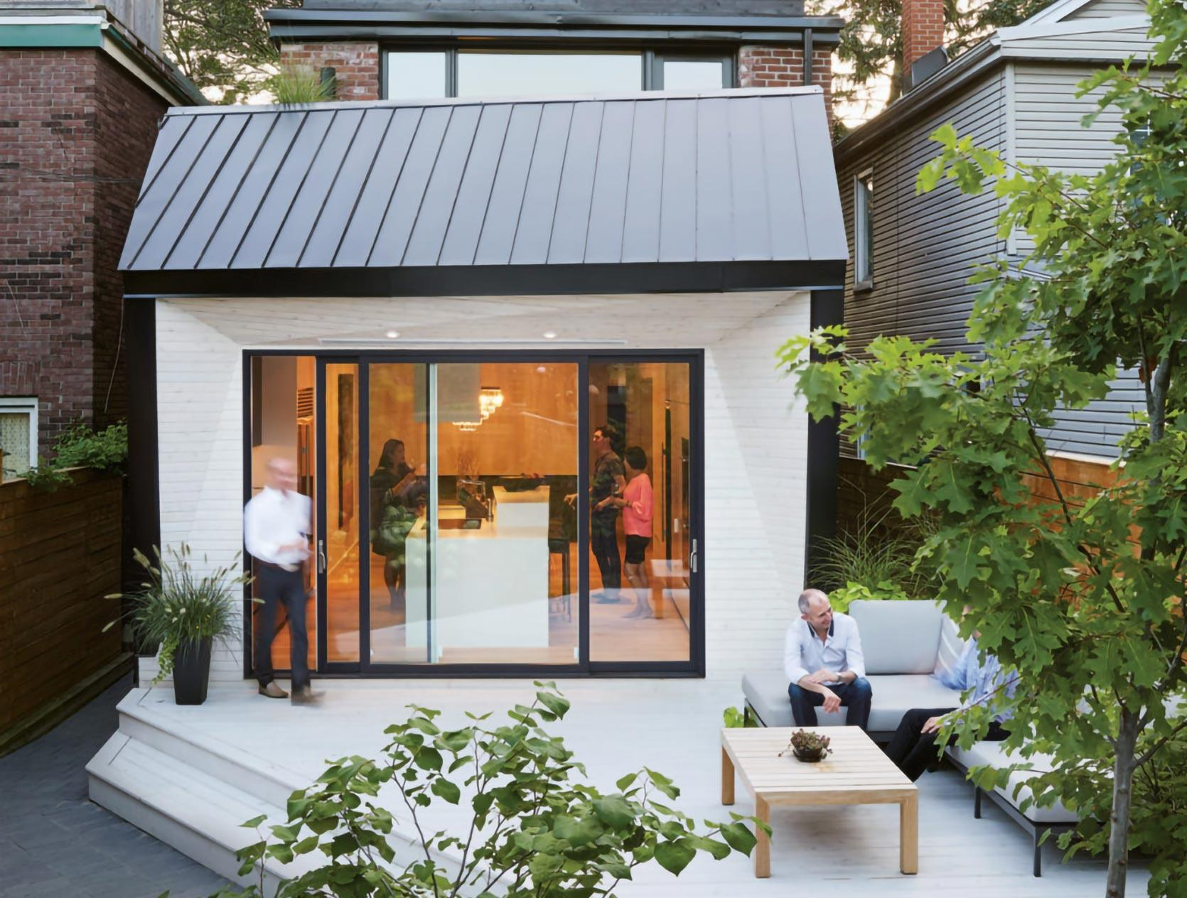 leslieville-contemporary-house-exterior-day