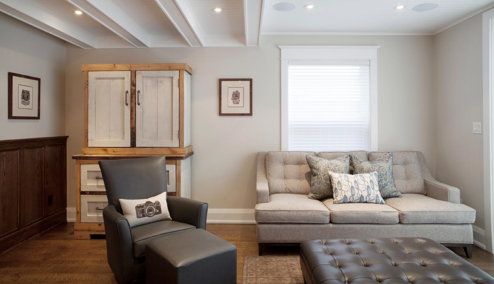 severnwoods-whole-house-renovation-Playter-Estates-living-room-couches