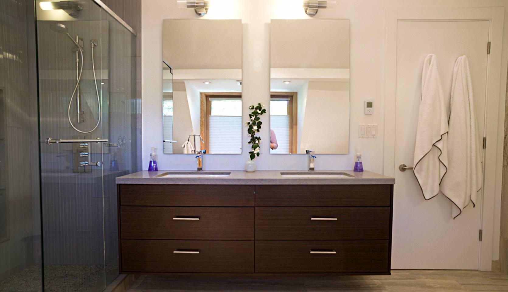 severnwoods-roxborough-house-bathroom-front